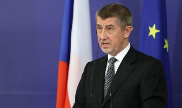 A cseh kormányfő elengedné a turisztikai vállalkozások kezét