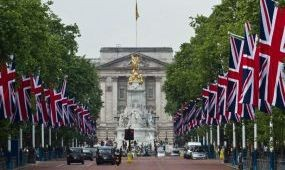 Szülinapozzon a brit uralkodóval!