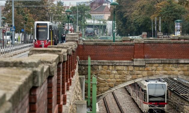 A biztonságos tömegközlekedést oktatják Bécsben