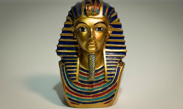 Londonba érkezett a Tutanhamon-kiállítás
