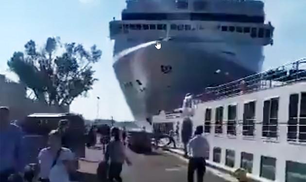 Óceánjáró ütközött turistahajónak Velencében – VIDEÓ