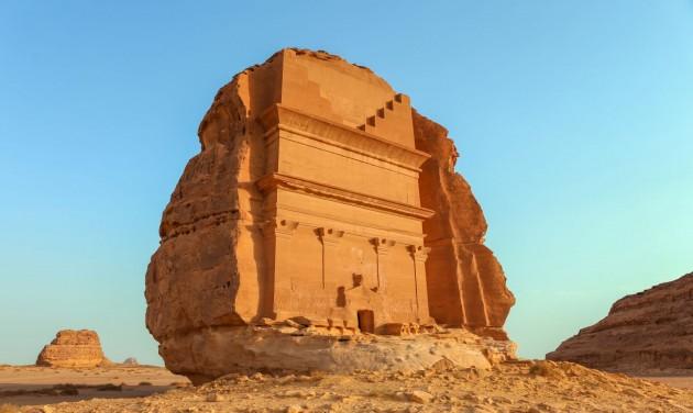 Szaúd-Arábia a külföldiek előtt is megnyitja az ókori Hegrát