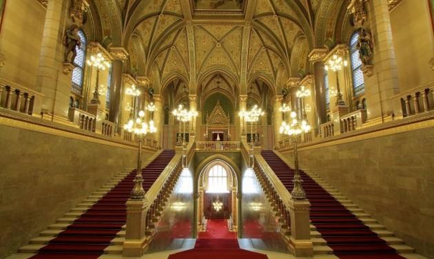 Ismét látogatható az Országház, az Országgyűlési Könyvtár és az Országgyűlési Múzeum