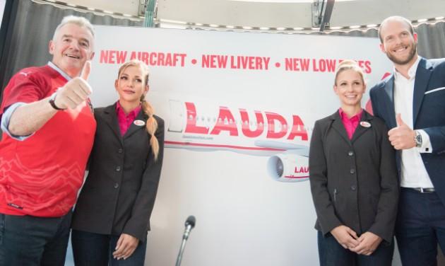 Flottabővítés és új egyenruha a Laudamotionnál