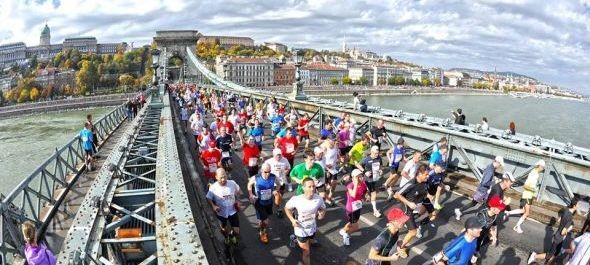 Hetvenhét országból érkeznek futók a hétvégi Budapest Maratonra