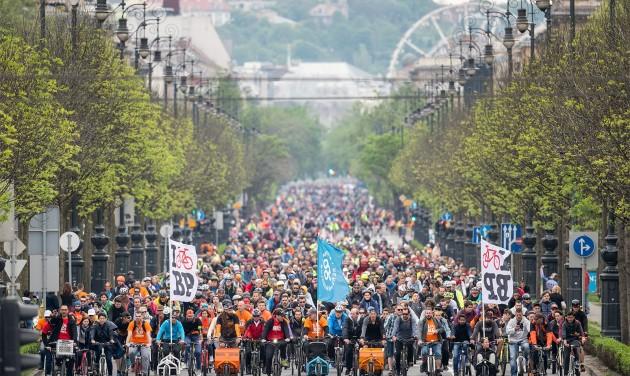 Újra a bicikliseké lesz egy napra Budapest