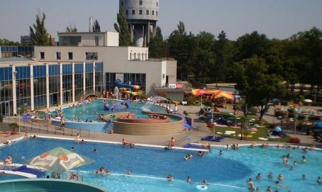 Nagyszabású fürdő- és uszodafejlesztés Dunaújvárosban