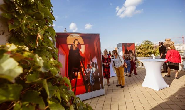 Budavári Legendák – szabadtéri fotókiállítás nyílt a Várkert Bazárban