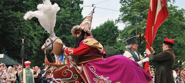 Lajkonik-felvonulás Krakkóban