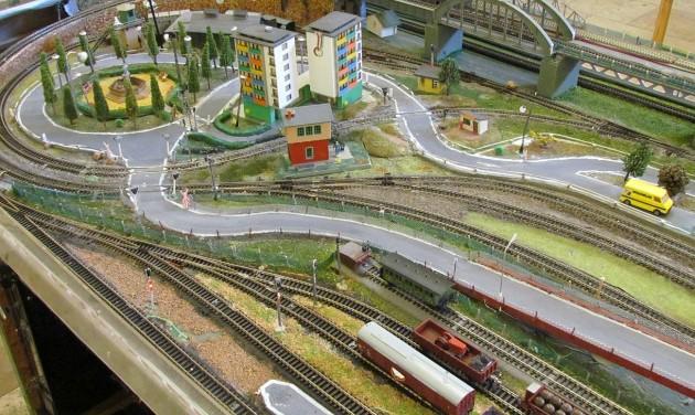 Működő vasúti terepasztal a hatvani pályaudvaron