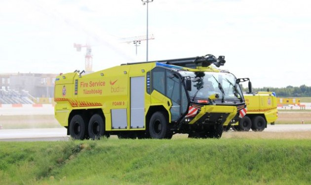 Hipermodern tűzoltóautó Ferihegyen