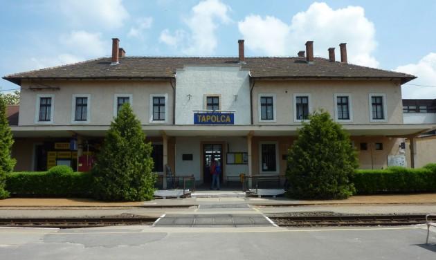 Megújult a tapolcai vasútállomás