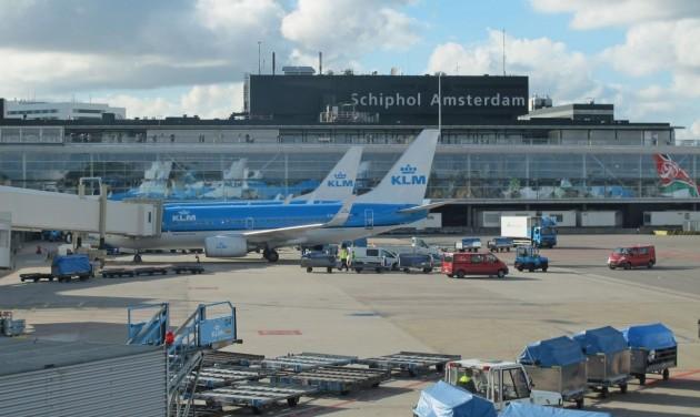 Hollandiába csak negatív PCR-teszttel lehet repülni jövő keddtől