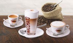 Jégpezsgő, kávés granita és forró csoki – hűsítő és melegítő italparádé a Corinthiában