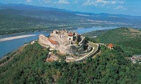 Seszták Miklós benyújtotta a turizmusfejlesztésről szóló törvényjavaslatot