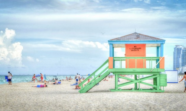 Míg New York küzd, Floridában újranyitottak strandokat