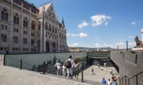 Utazási irodások észrevételei a parlamenti látogatásokról