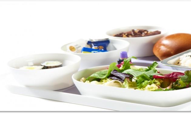 Új étkészlet a Lufthansa turista osztályán