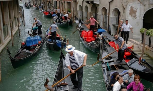 Országos közlekedési sztrájk bénítja meg Olaszországot pénteken
