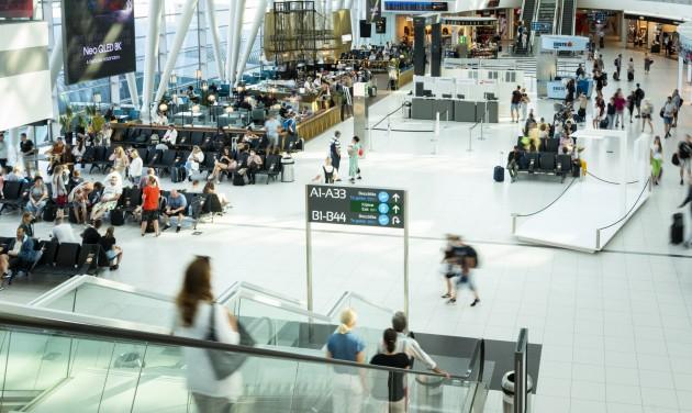 Júliusban közel annyi utas volt Ferihegyen, mint az első hat hónapban összesen