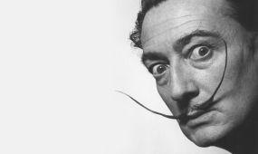 Salvador Dalí grafikáiból és kártyafestészeti munkáiból nyílik kiállítás Pécsett