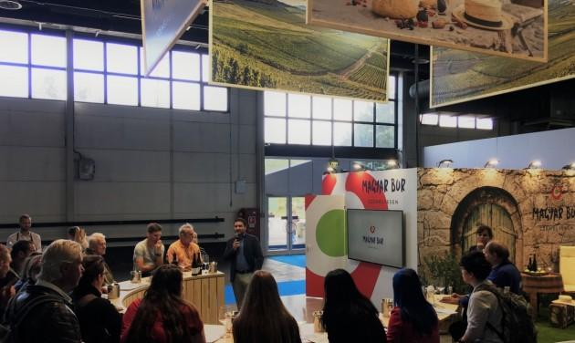 OMÉK: borkóstolók az MTÜ standján