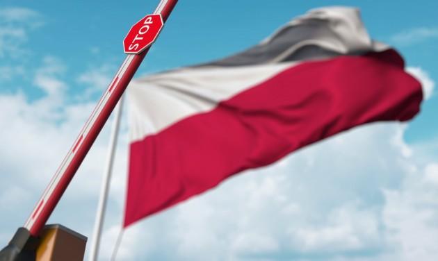 Lengyelország negatív teszthez köti a belépést a cseh és a szlovák határon