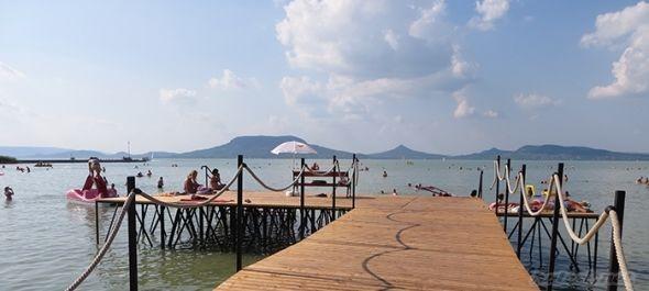 Eddig elégedettek a vendéglátók a szezonnal a Balatonnál