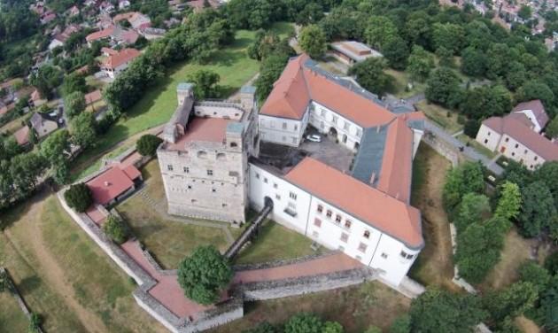 Százezren a sárospataki Rákóczi-várban
