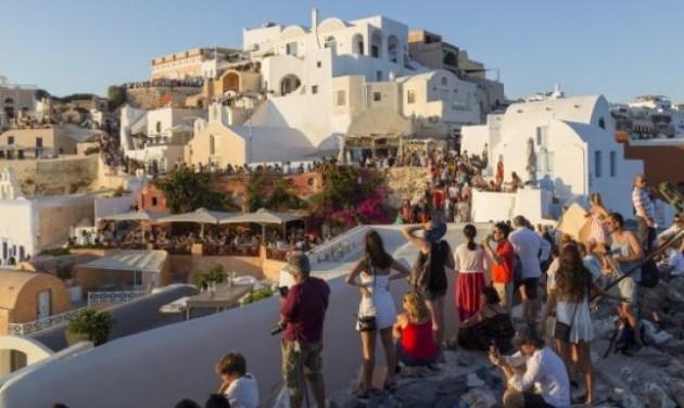 Utazók is besegítenek a máltaiak mentővásárlásába