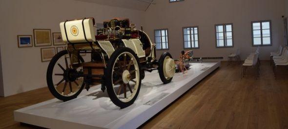 Porsche múzeumot kapott csehországi szülőfalujában