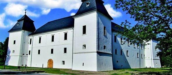Látogatóközpont okostelefonos tárlatvezetéssel Egerváron