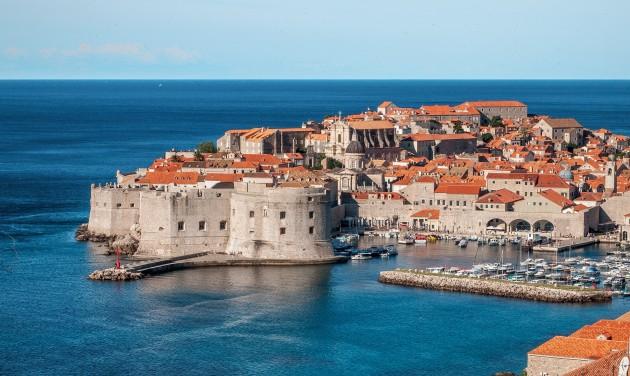 Idén nyáron is Horvátország és Olaszország a magyar turisták kedvence