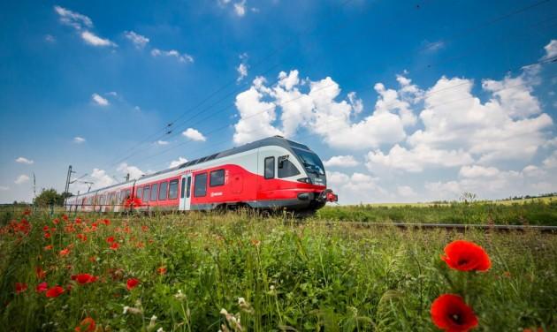 Több mint egymillió utasuk volt a balatoni vonatoknak