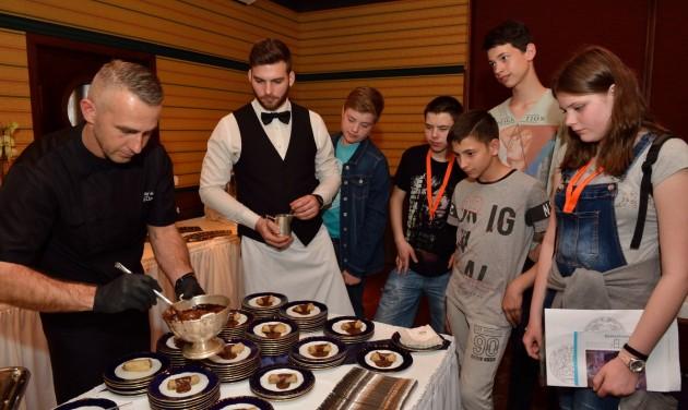 Diákokkal telt meg a Danubius Hotel Flamenco a Szakmák Éjszakáján