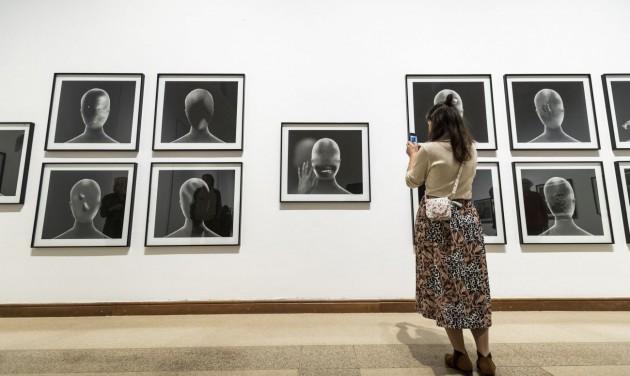 David Lynch kiállításával nyílt meg a Budapest FotóFesztivál
