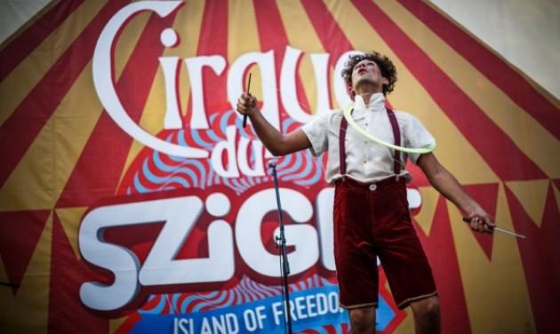 Nagy utcaszínház és cirkusz a Szigeten
