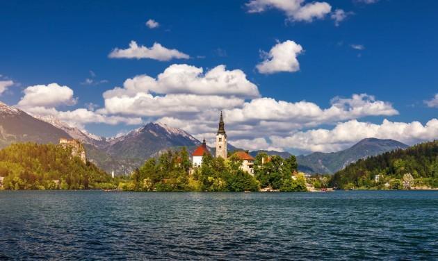 Ezer fölötti új fertőzött naponta Horvátországban és Szlovéniában