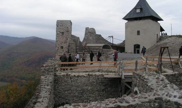 Folytatódik a füzéri vár felújítása