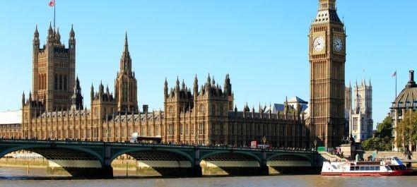Milliárdokba kerülhet és évtizedekig tarthat a brit parlament tatarozása