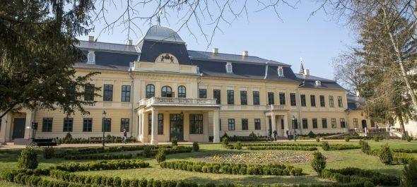 A nagyközönség előtt is megnyílt a gyulai Almásy-kastély