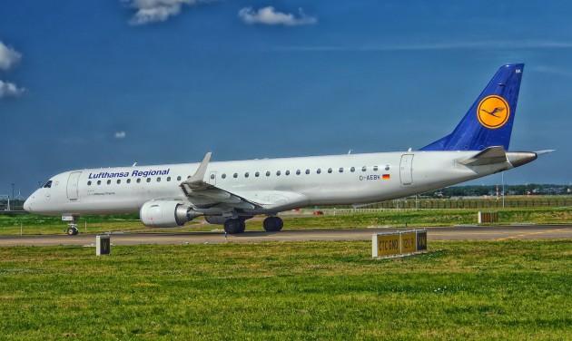 Százezer utas a debreceni repülőtéren