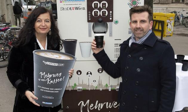 Bécs harcol az eldobható kávépoharak ellen
