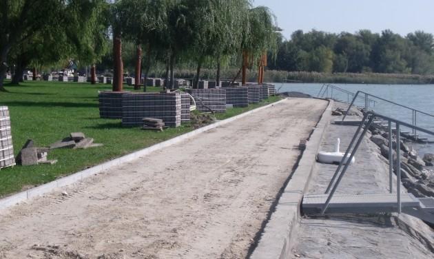 Elkezdődött a Lidó strand fejlesztése Vonyarcvashegyen