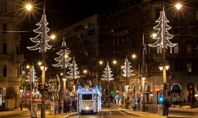Elindult a budapesti fényvillamos