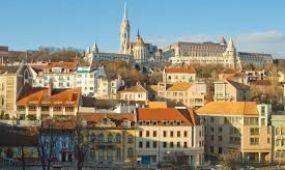 Tovább szépülnek a budavári műemlék házak