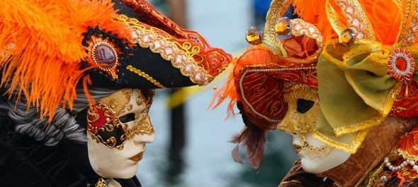 Megerősített biztonsági intézkedések közepette kezdődött a velencei karnevál