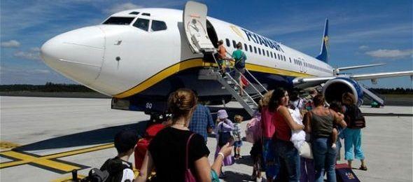 Kártérítést követelnek volt alkalmazottai a Ryanairtől