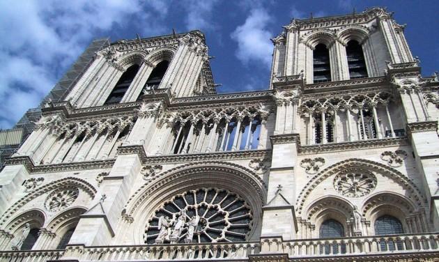 Párizsban a belvárosi járműforgalom kitiltását tervezik