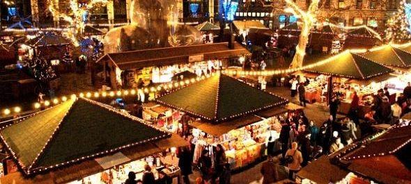 Karácsonyi illatok november 28-tól a budapesti Vörösmarty téren